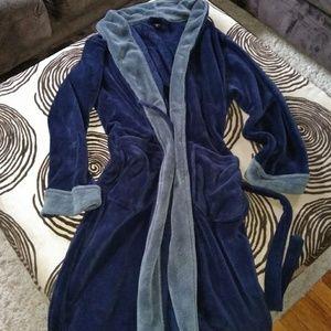 Other - Robe plush